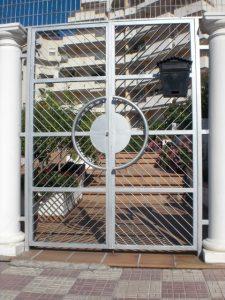 puerta metalica cerrajeria jcb